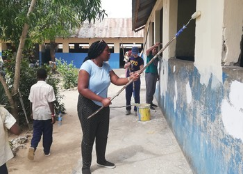 CGS students make a difference in Zanzibar